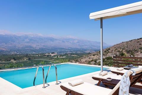 Villa Amygdalia I Lujo con vistas a la piscina y montaña