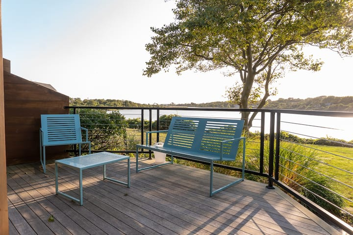 Two Bedroom waterfront townhouse in Montauk