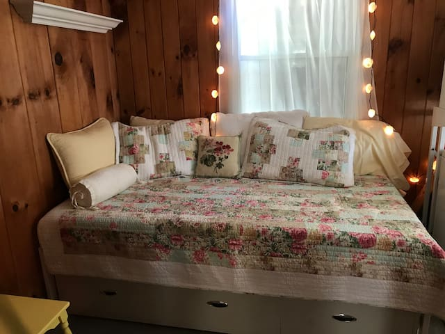 Bedroom with a trundle bed, sleeps 2