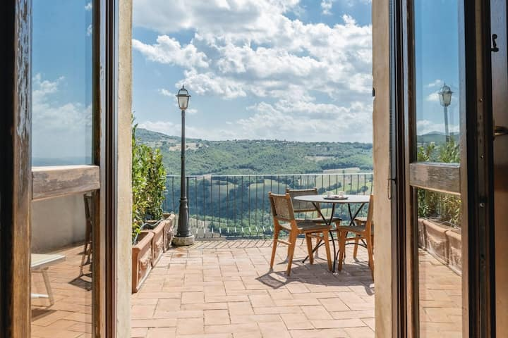 1 Bedroom Suite with Panorama Views and Terrace