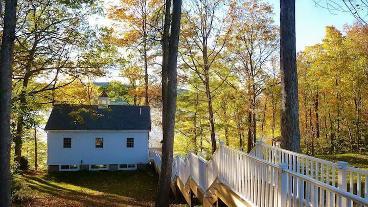 Elegant Lakeside Home on Lake Champlain