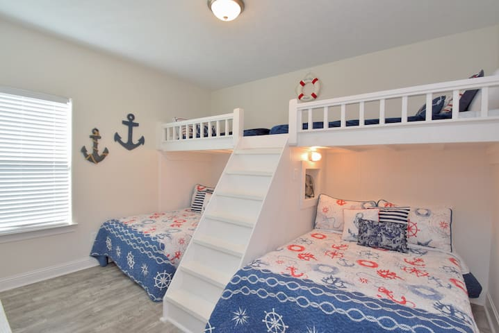 Bedroom with Two Full Beds and Two Twin Beds