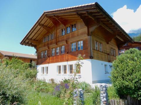 Gemütliche 2-Zi-Wohnung vor prächtiger Bergkulisse