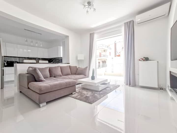New Luxury Apartment at Marina Patras
