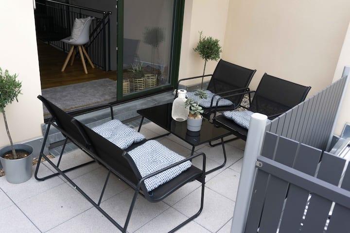 2 etagiges luxus Appartement mit Balkon im Zentrum