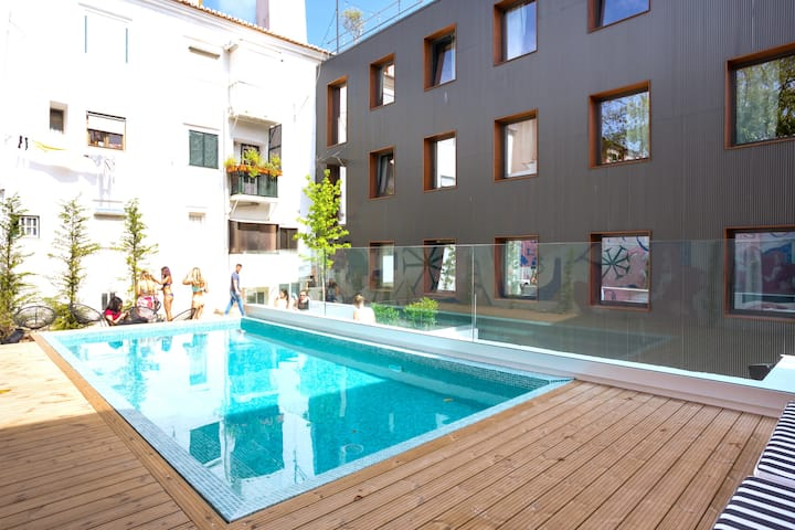 Selina Secret Garden Lisbon - Private 6 Bed Dorm
