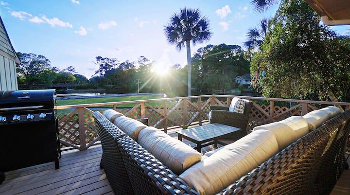 Sunset Serenity - Luxury on The Lagoon!