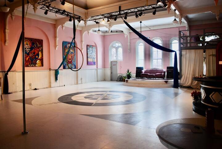 EPIC Historic Ballroom/Art loft - 3rd fl Main St