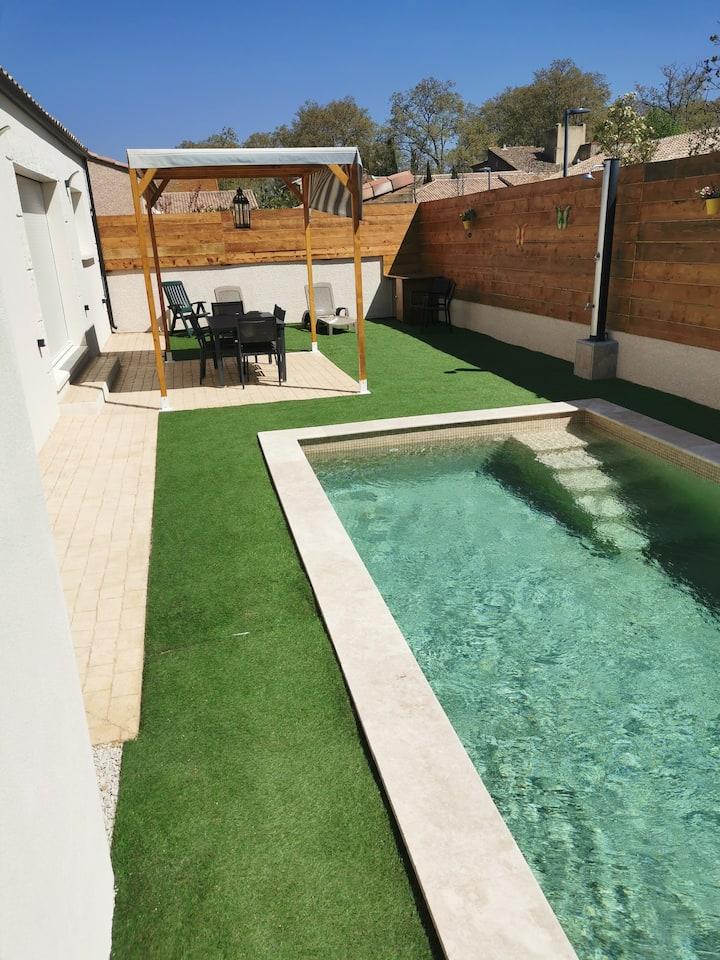 Belle villa au calme, 3 chambres, parking privé