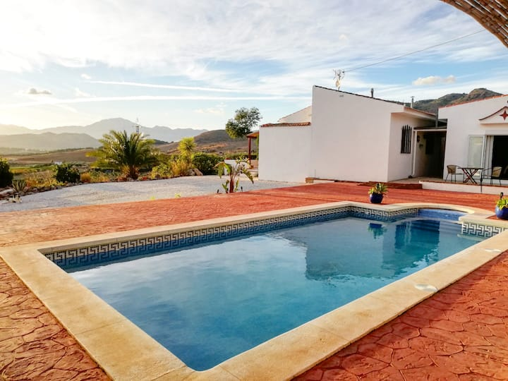 Remote Villa with Pool @Casa de la Vida Malaga