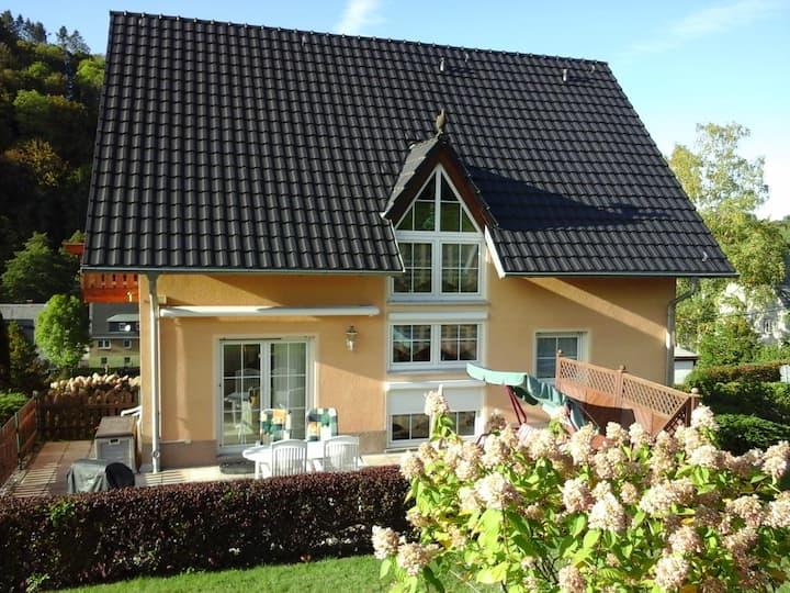 """Ferienhaus """"Perle"""" am Fuße der Augustusburg"""