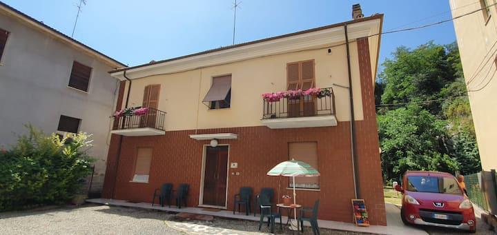 Appartamento con giardino e posto auto Acqui Terme