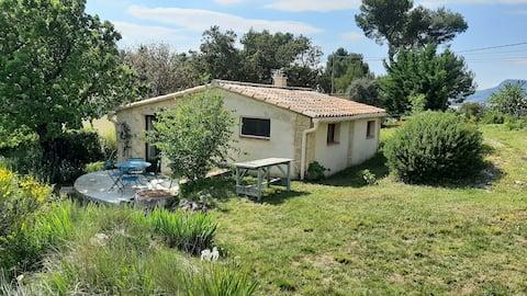 Petite Maison dans les collines de Provence