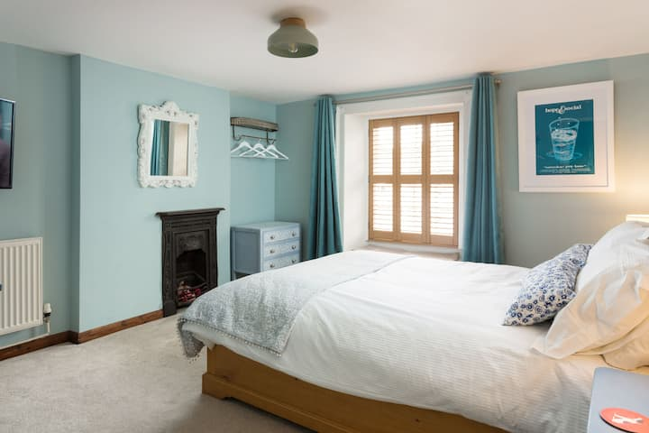Bluebird Cottage: Pickering.  Comfortable & Cosy!