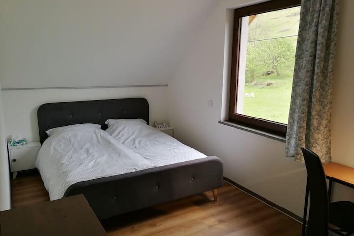 Komfortowy pokój dla Wędrowca w górach Bialskich_2
