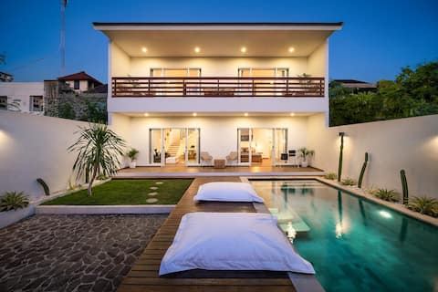 ♛ Luxury Villa in the Heart of Canggu ★ Brand New