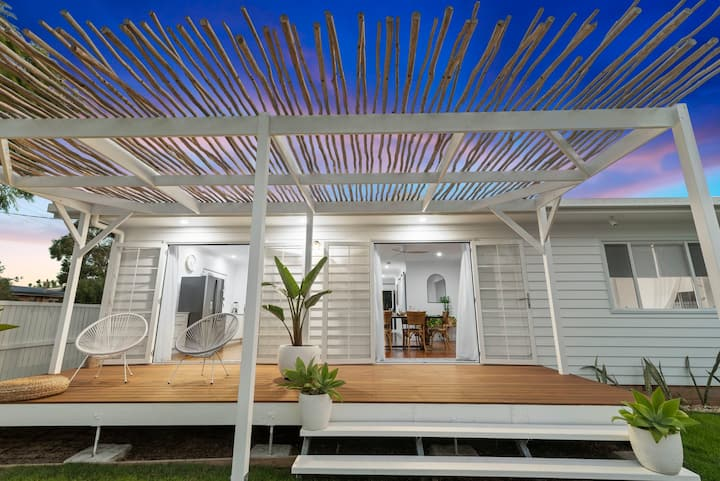 Tahiti Palms | Palm Beach
