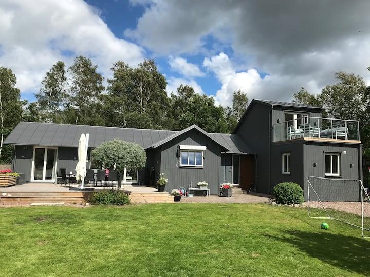 Fräscht hus vid havet utanför Halmstad!