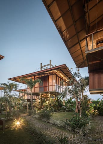 SOFT LAUNCH SPECIAL Designer Treehouse Loft Canggu