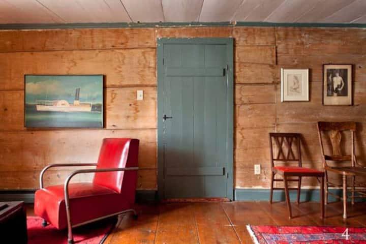 Large 18th Century Home on Catskill Creek
