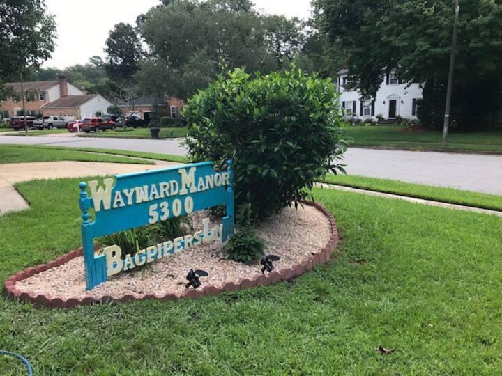 Wayward Manor B&B Awaits Your Arrival! Welcome!