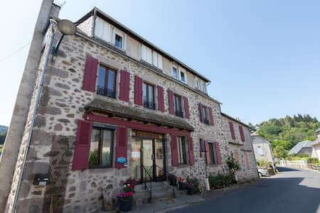 Se ressourcer au cœur du Cantal et de l'Auvergne