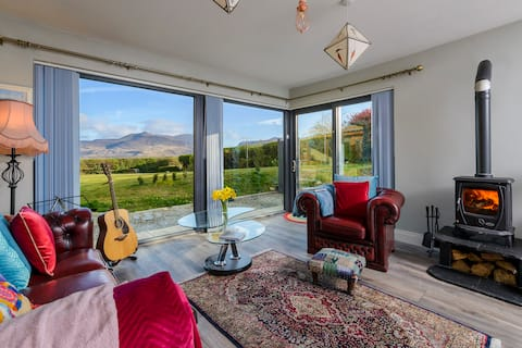 Luxe Apartment . Views  of Gap of Dunloe and Reeks