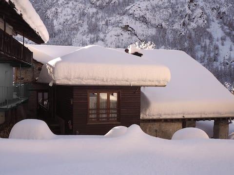 Baita in borgo alpino