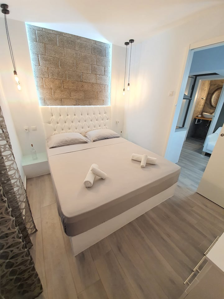 Lux apartment 13 with yard in the heart of Athens
