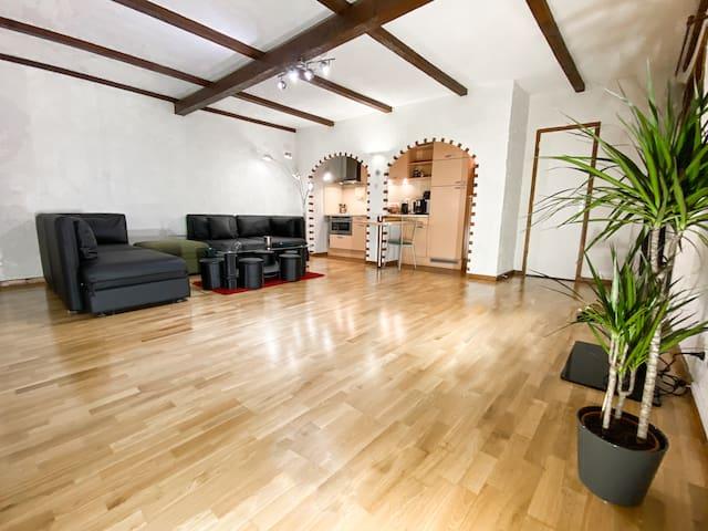 Grand Studio : Parlement - Centre