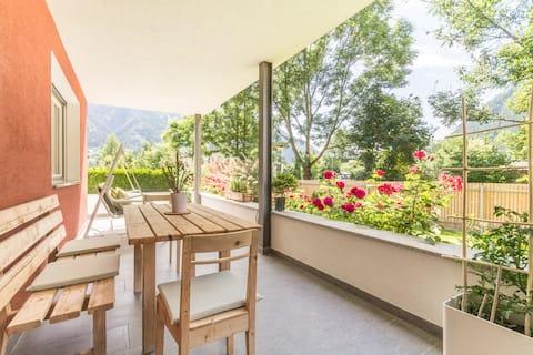 Amplio apartamento con jardín, ideal para familias!