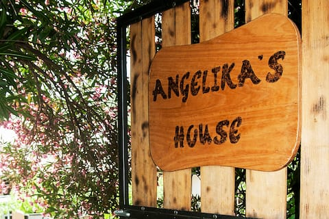 angelikashouse,big house
