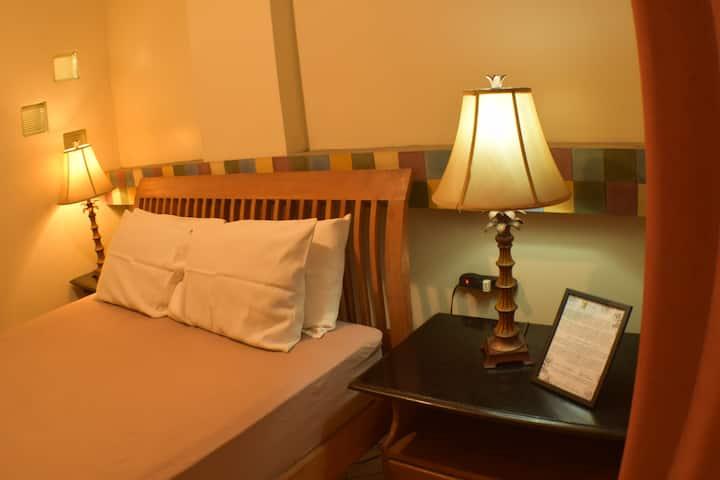 BFV-Beach Front Hotel - Standard Queen Bed