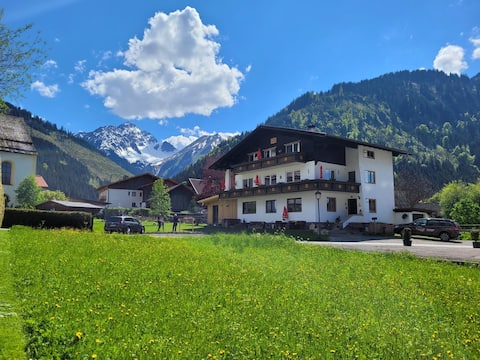 Haus Almrausch in the Zugspitzarena  Wo.Bergfieber