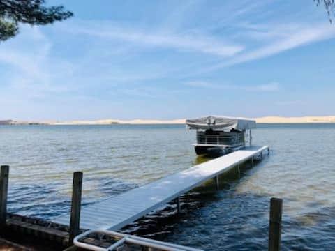 Silver Lake Waterfront, WuzGunna