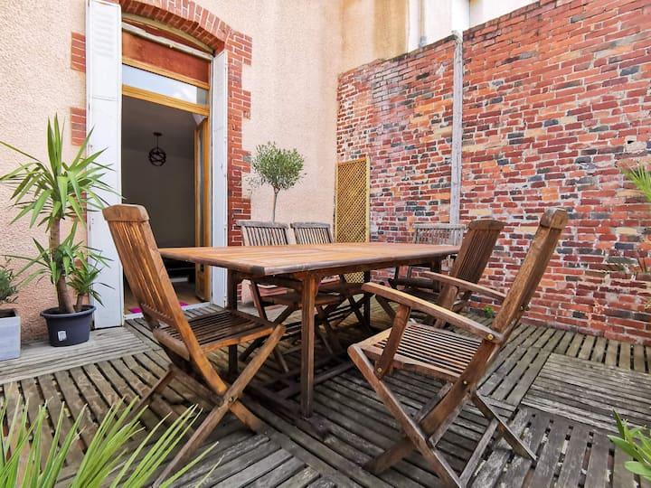 Chambre dans charmant appartement avec jardin