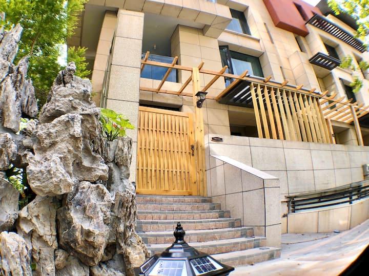 【三合院|03座】海景别墅1-2层5房|停车方便|含早餐|屋顶上露台烧烤麻将健身|12人|横琴长隆