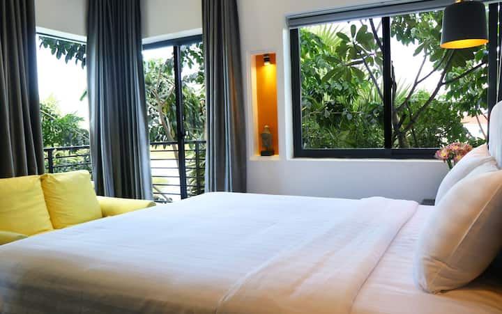 Private Floor with 2 bed rooms