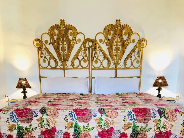 BEDROOM 3. It has double doors onto the large terrace. DORMITORIO 3,