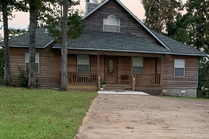River Roost:  Holiday Haven on Lake Seminole