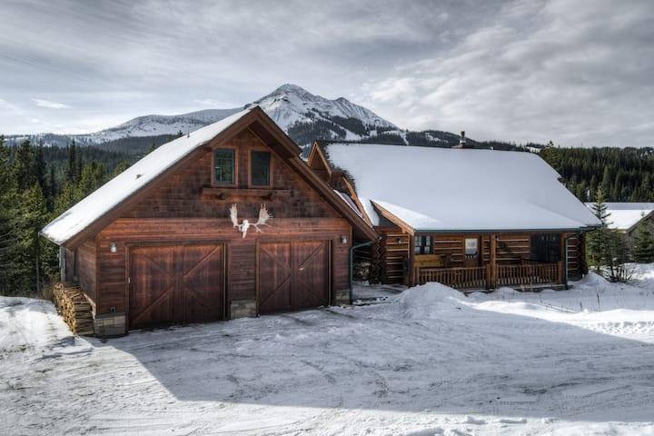 5 Bedroom Ski-in Ski-out Cabin. Elk Creek!