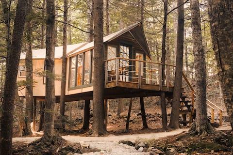 Casa del árbol escondido Hemlock - Camping en New Hampshire