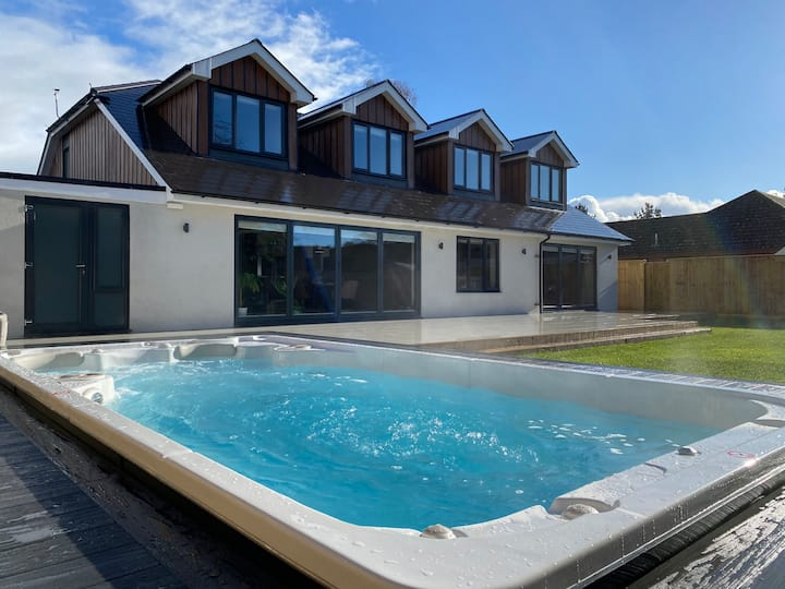 Large Luxury 5 Bedroom House Near Poole, Dorset