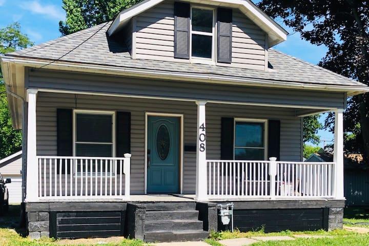 Harrison House; Litchfield, IL; Pets welcome