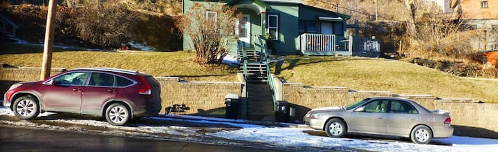 Centrally Located Small Lead Home Easy Access Deck
