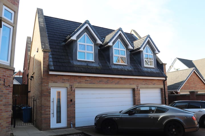 Private apartment near the heart of Lytham