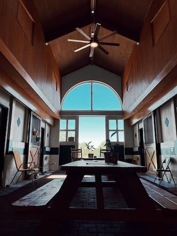 "Suite 7 ""TOM JONES"" - Cozy, Country Clean & Fun!"