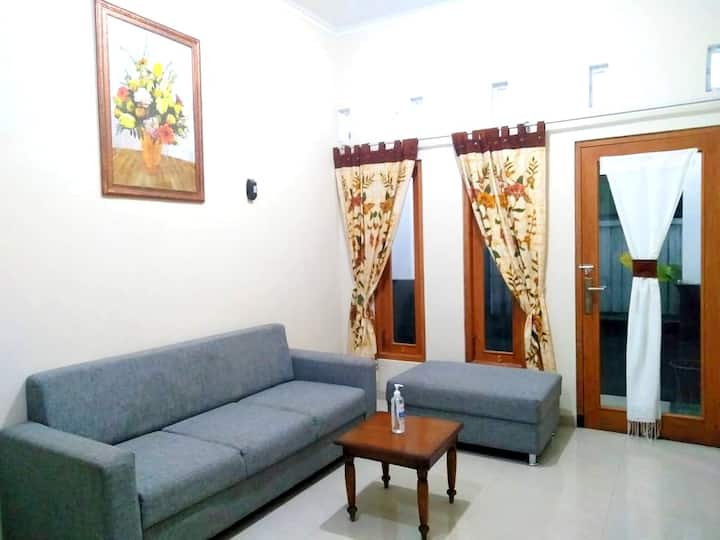 3 Bedroom Homestay Near Gembira Loka Zoo