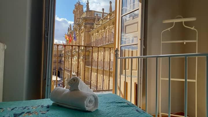 Apartamento de 3 Dormitorios en la Plaza Mayor