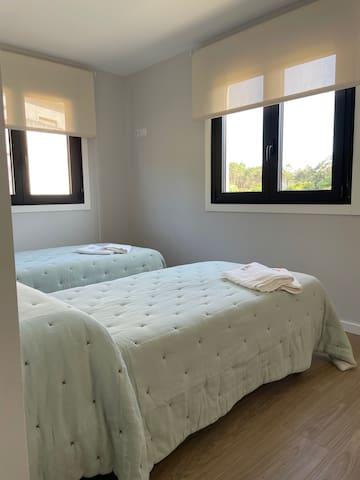 Habitación con 2 camas de 90 cm.